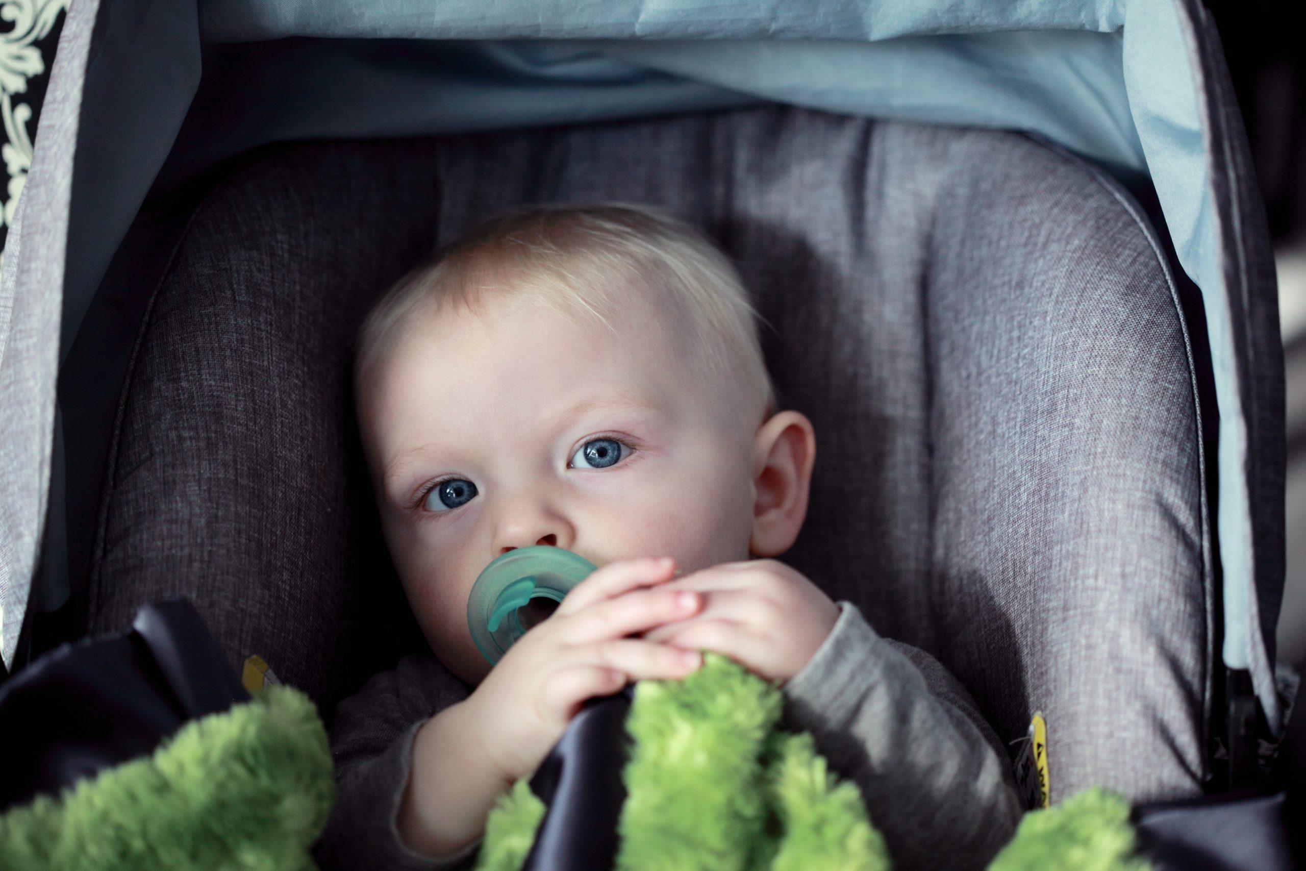 Seggiolino auto per bambini, tutte le info per viaggi in sicurezza
